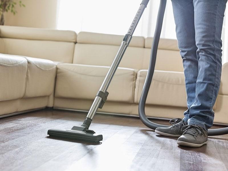 18 Best Vacuums For Hardwood Floors Reviews 2020