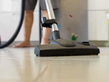 How to Use a Vacuum Cleaner
