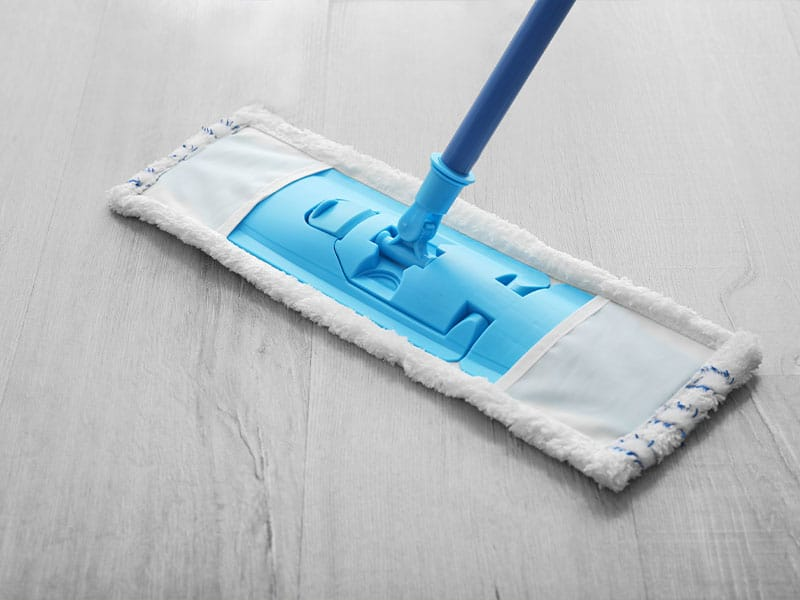 A microfiber flat mop to collect dust and liquid spill on the floors
