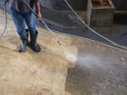 7 DIY Homemade Concrete Cleaners