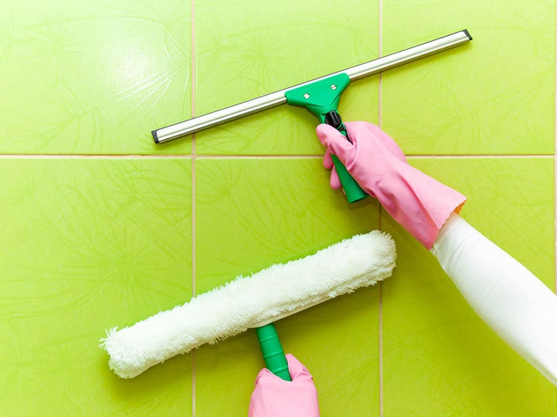 Cleaning Tiles with Professionally Washer