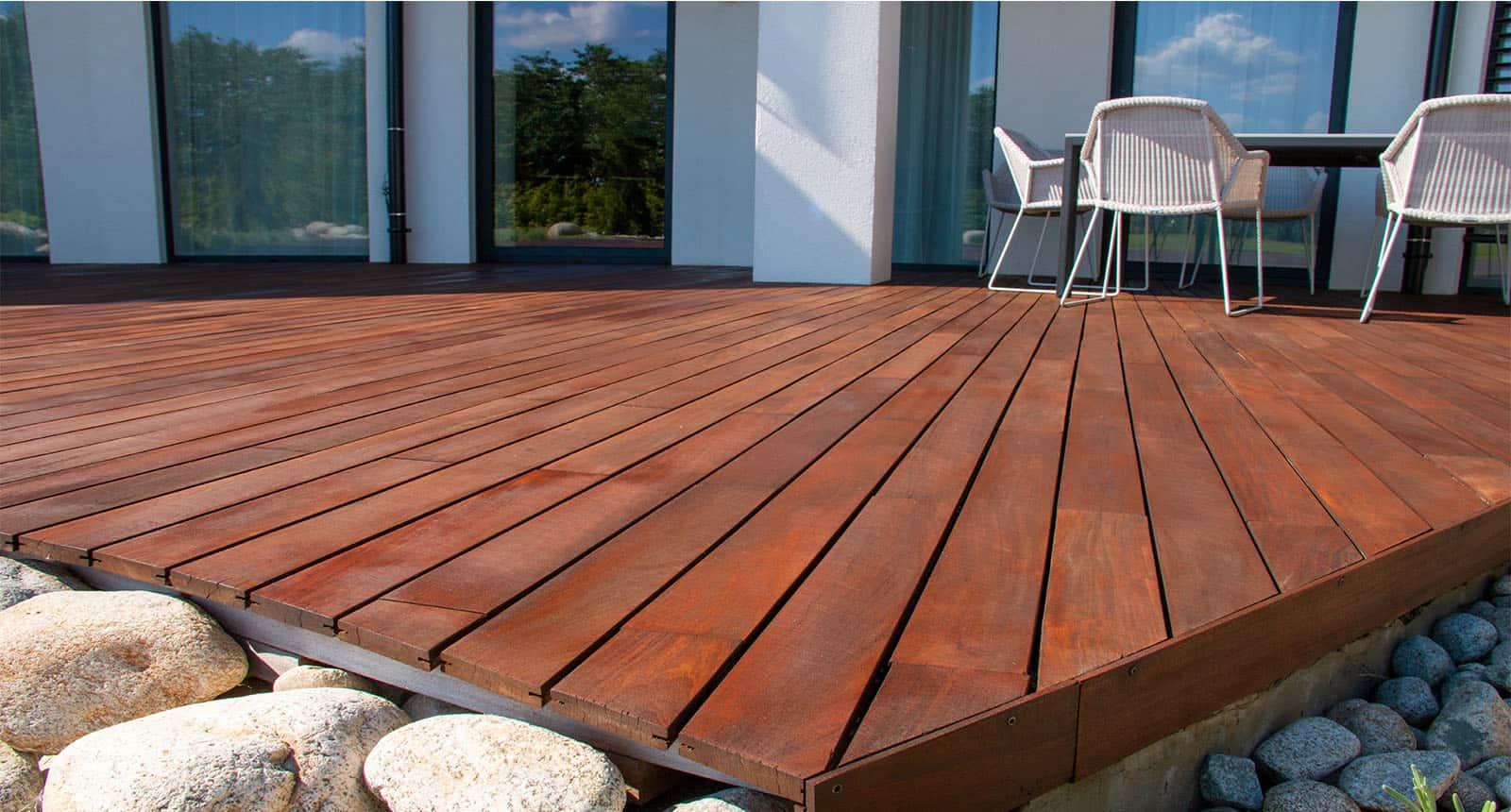 Wood Deck Modern House Design