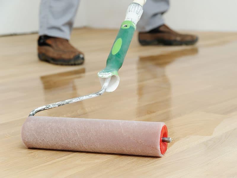 Lacquering hardwood floor